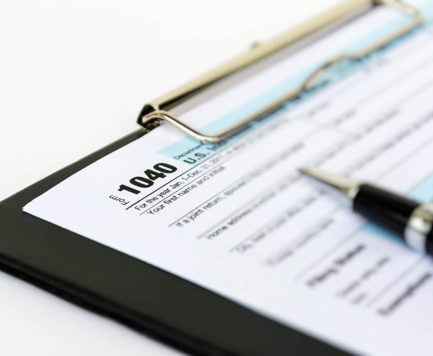 taxes-clipboard-pen